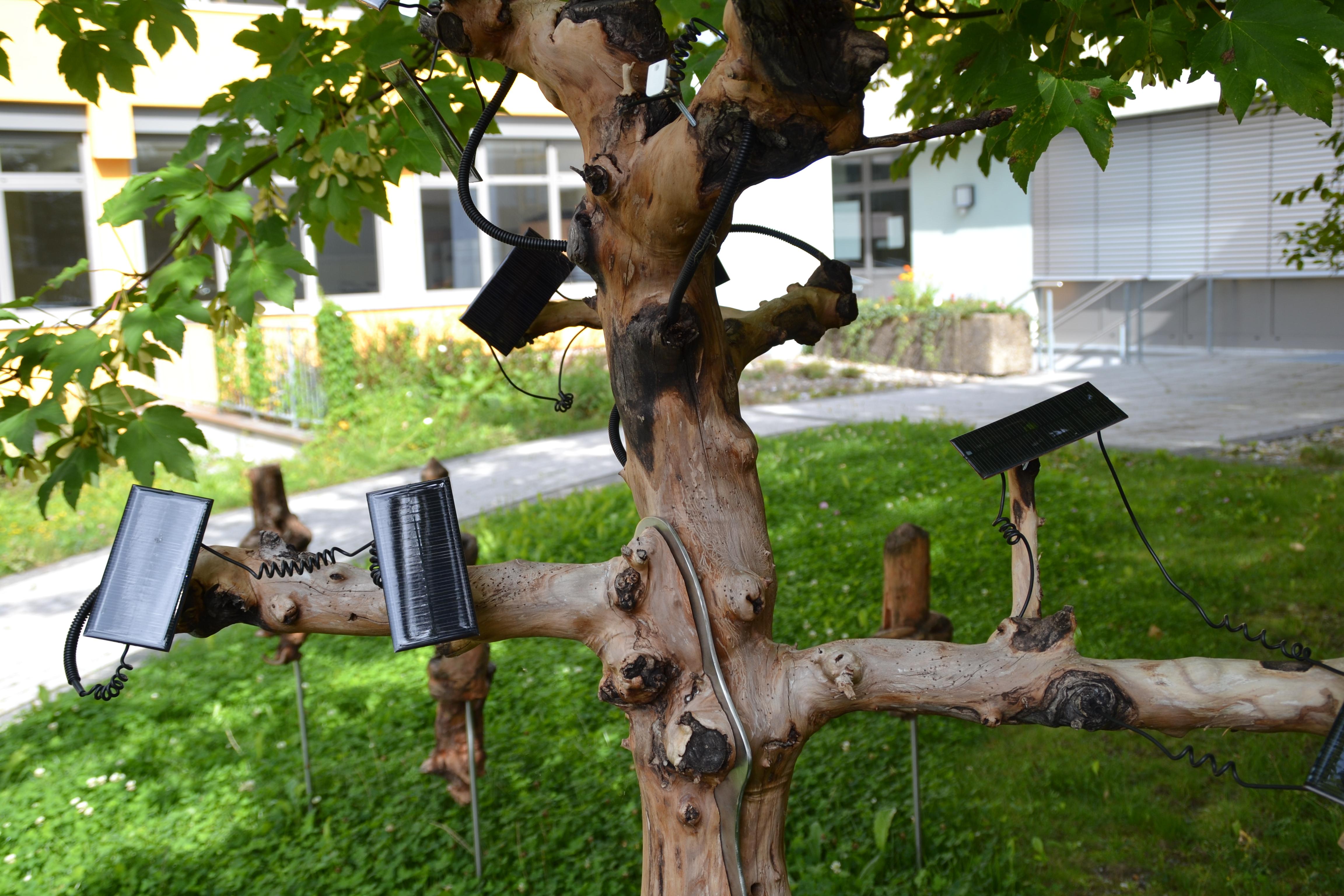 Miniaturstadt und Energiespeicherbaum