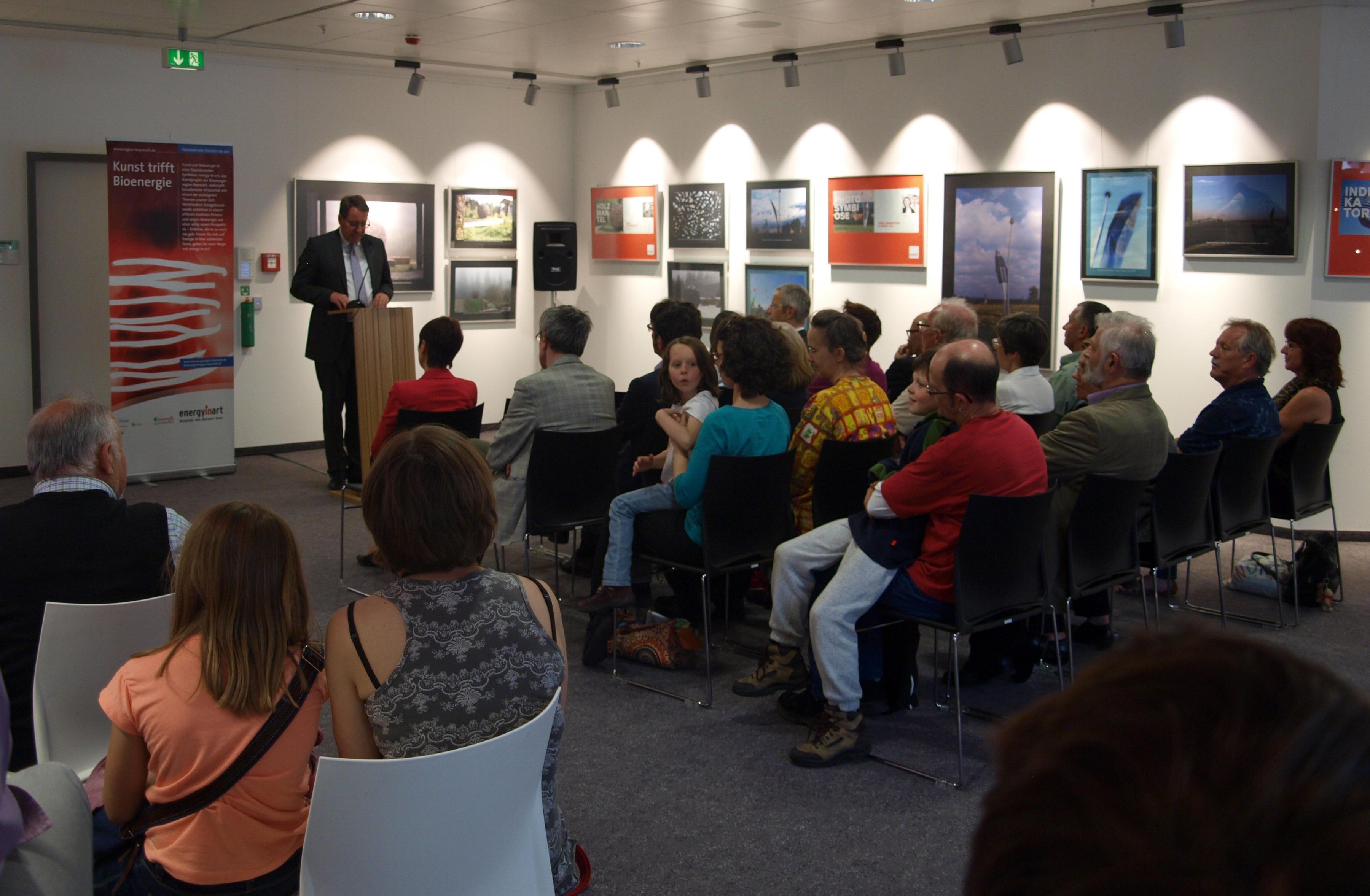 Der Fraktionsvorsitzende Dr. Stefan Specht eröffnete die Veranstaltung mit einem Grußwort.